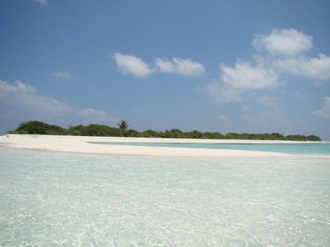 Medhufinolhu Island white beaches - Image Courtesy of Asia Pacific Superyachts Maldives Major changes are being implemented to support conservation and preservation efforts in the above locations and