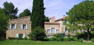 Provence Valmouriane Located in the hills, surrounded