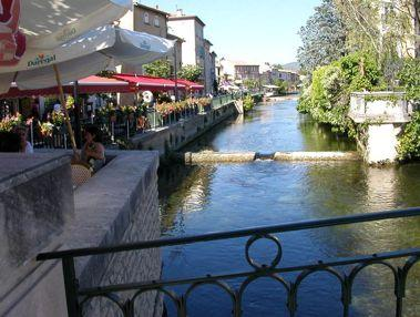 Luberon L Isle sur la Sorgue The «island city» is a dynamic little town, well worth to visit.