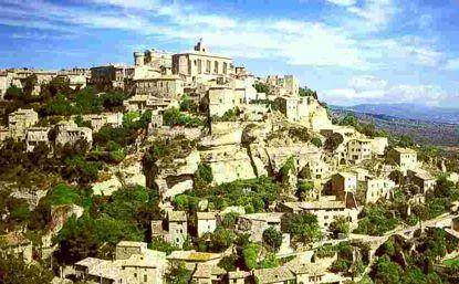 Luberon Gordes Due to its privileged position, its exceptional charm and its typical architecture, Gordes has been listed as one