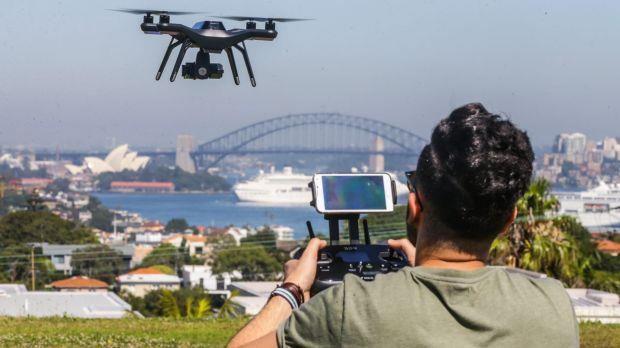 Introduction UAS growth: recreational and commercial use History of UAS Regulations in Australia Regulations 2002-2016 Regulations 2016