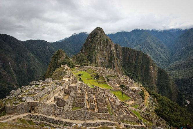 CUSCO, SACRED VALLEY & MACHU PICCHU (04 days / 03 nights) Description: Enjoy a quick tour package of the Cusco s main tourist attractions.