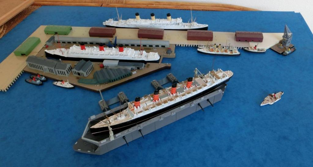 dioramas including Portsmouth (1980s), Southampton (two versions 1930s (see below) & 1950s with the flying boat terminal) and the US nuclear submarine base at Bangor.