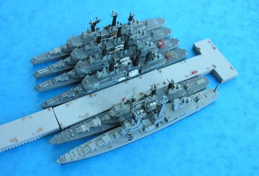 American ships modelled were: S73 USS Talladega WW2 attack transport S138 USS Galveston guided missile cruiser, 1960 S81 Liberty ship civilian colours S139 USS Wichita WW2 heavy cruiser S81/I Liberty