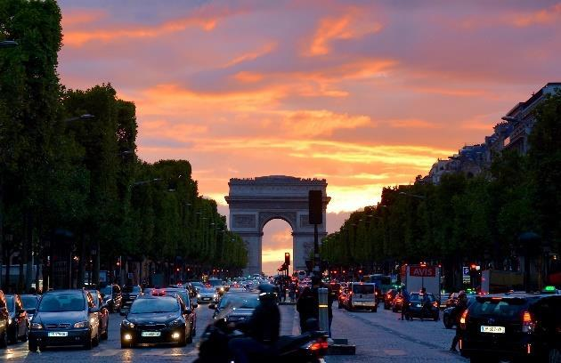In the evening we will enjoy a walk by nightlight and see the romantic lightening of Paris.