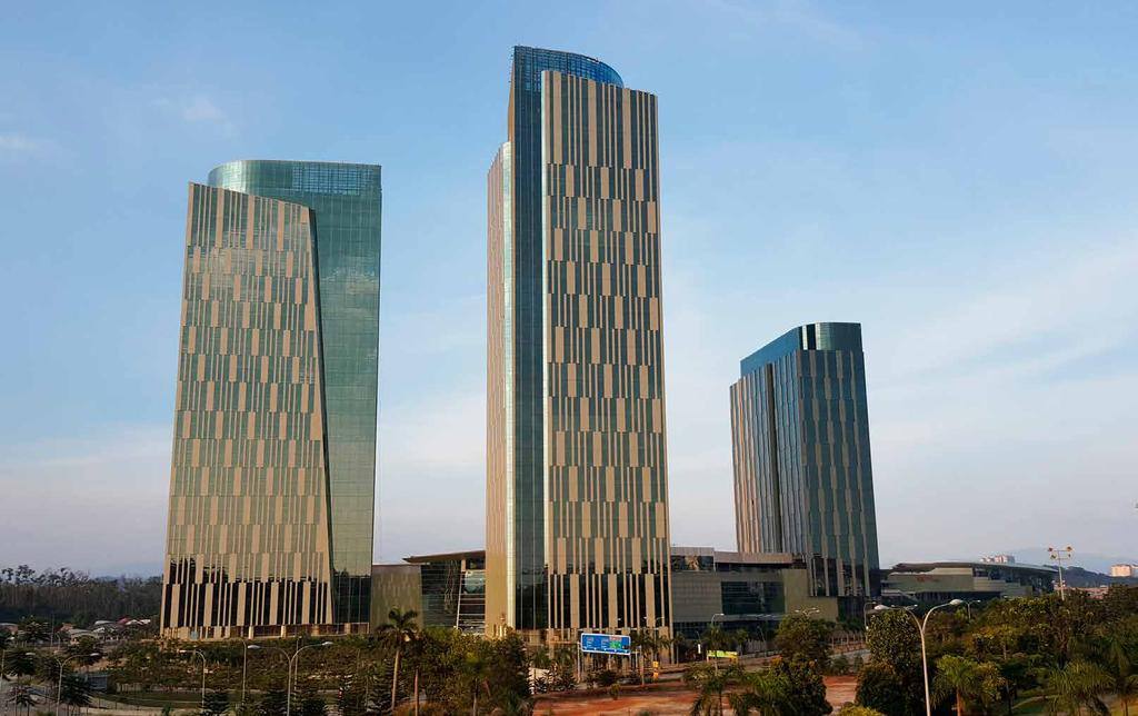 Le Meridien Putrajaya SETTING A NEW BENCHMARK IN GRADE A OFFICES Comprising two 31-storey office towers set within IOI Resort City, IOI City Towers are