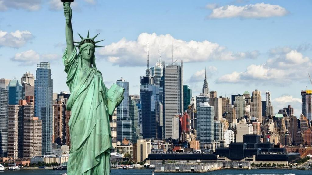 The Express is a non-stop, one-hour boat cruise that not only circles Lady Liberty but has