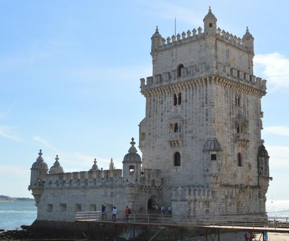 Lisbon - 1 day Visit to Lisbon s main attractions such as the Cathedral and Castelo de São Jorge (St.