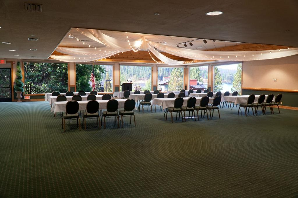 one large banquet space that can accommodate up to 400 guests.