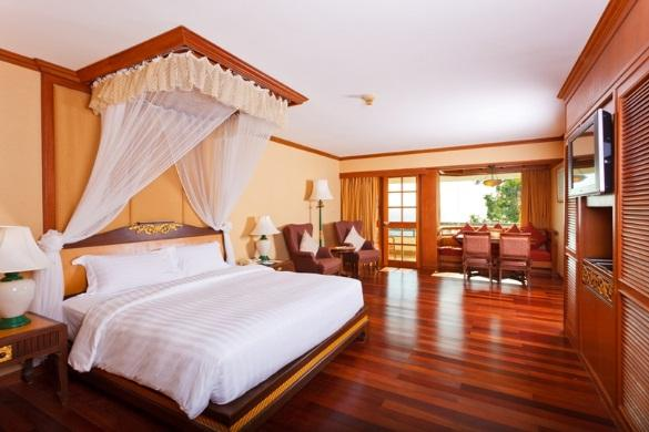 The spacious Phuket accommodation at Diamond Cliff Resort & Spa is set amongst exotic gardens offering pleasant views