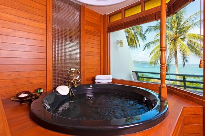 The classy interiors at this Patong 5 star hotel, feature wooden floors, private balconies, relaxing bathtubs or Jacuzzis,