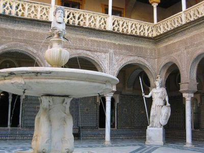 - Page 7 - I) Casa de Pilatos (must see) Casa de Pilatos is one of the finest architectural monuments of Seville.