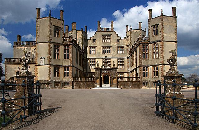 Day 4 Visit to Sherborne Castle, Dorset Pack your suitcases before breakfast at the hotel. You will picked up by your coach for the journey to Exeter by way of Sherborne Castle.