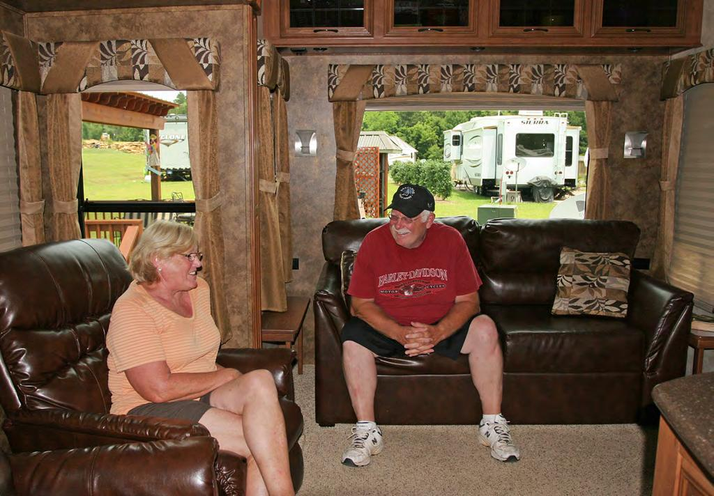 Three of the owners actually live at the resort, though two of them travel extensively. The others, like Woody and Dena Wood, can t wait to arrive on the weekends.