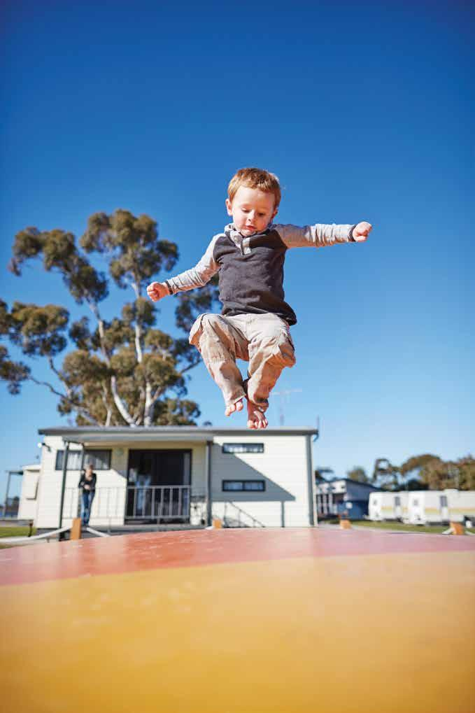 in Swan Hill There are plenty of accommodation options to suit your family size and budget, all conveniently located near the town centre and Murray River.