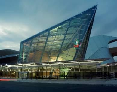 TOP AREA ATTRACTIONS Taubman Museum of Art / Art Galleries 10 galleries with impressive collections from local artists and pieces from world-renowned artists and highlighted by the Taubman Museum of