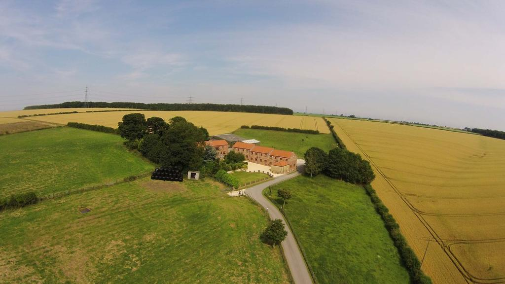 DESCRIPTION / BACKGROUND Red House Farm is an immaculately presented lifestyle property situated in a beautiful rural location yet only 5 miles from the popular county town of Beverley.