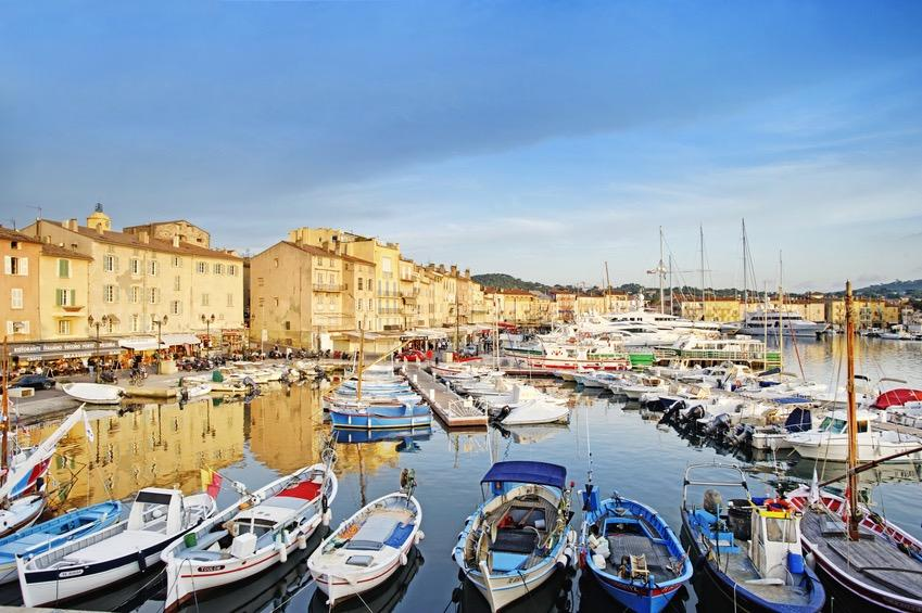 ST-TROPEZ & PORT GRIMAUD DAY #3 SAINT TROPEZ PORT GRIMAUD (30 MILES-50 )* Enjoy a day around the Cape of St Tropez, past many of the spectacular villas to reach Pamplona beach.