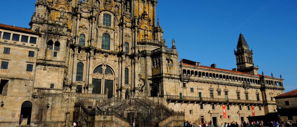 Medieval France & Spain: The Pilgrim Routes to Santiago de Compostela 2015 10 OCT 29 OCT 2015 Tour Leaders Code: 21517 Christopher Wood, Dr John Wreglesworth Physical Ratings Visit