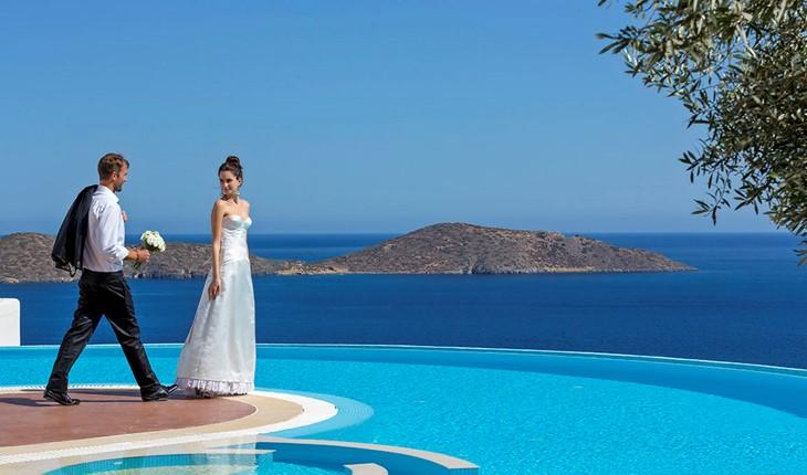 Elounda Gulf Suites The exclusive Elounda Gulf Villas & Suites in Crete Island, Greece, ideally situated close to the dazzling Elounda beach, features only 10 individually designed suites and 18