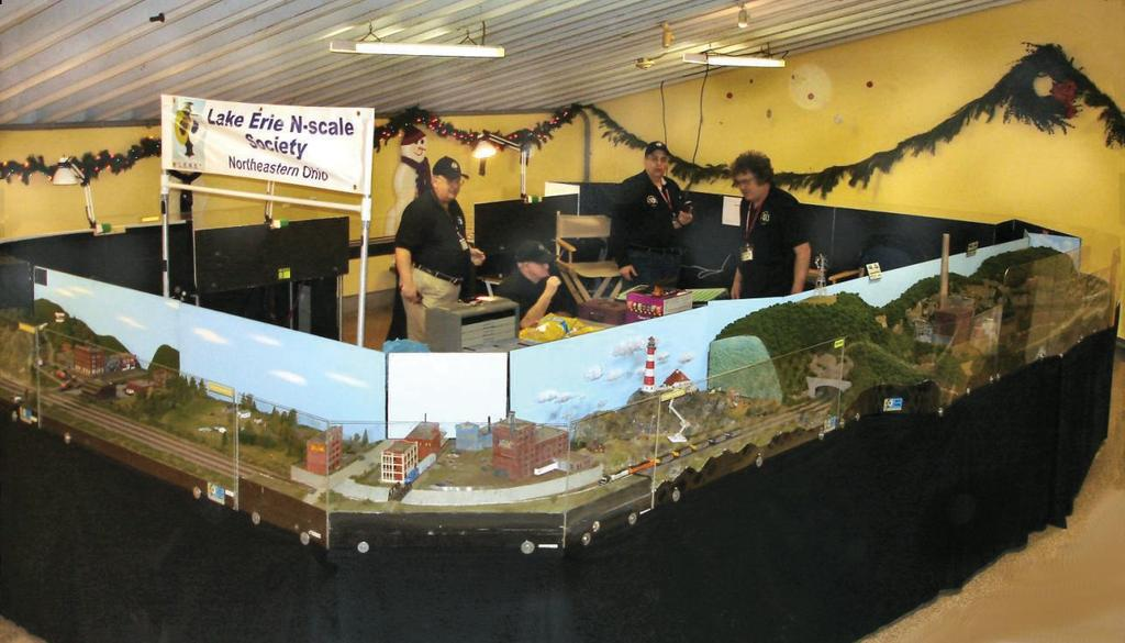 Featured Club: The Lake Erie N-Scale Society. Country Lights shine with LENS during the Holidays, by Lou Dreher, photos by Wayne L., Chuck L. & Lou D.
