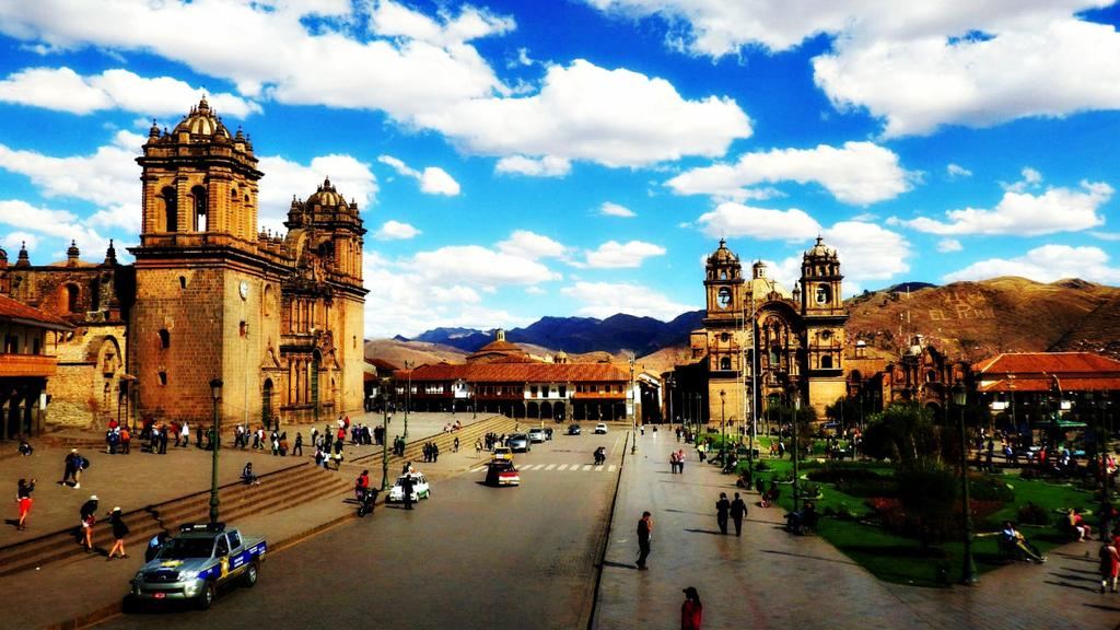 ITINERARY Highlights Combine adventure and culture in the Cusco region with this tour. We will start with exploring the city of Cusco and the impressive surrounding archaeological sites.