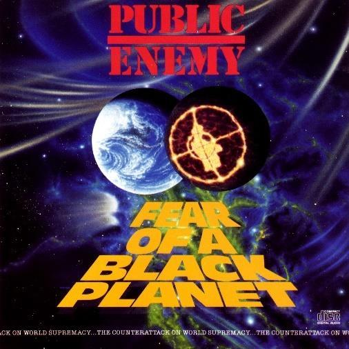 Mynd 1. Public Enemy Fear of a Black Planet Kennimerki Public Enemy kemur fram í svörtu plánetunni en það samanstendur af svörtum manni séð í gegnum sigti á byssu.