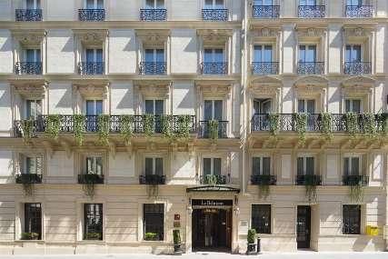 Hotel Le Belmont**** Hotel Le Belmont is a four star hotel located in the Golden Triangle, a hotspot for Parisian luxury, and situated just a