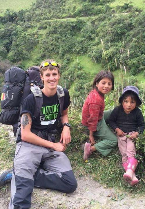 EXAMPLE ITINERARY The below itinerary has been created by our Destination Managers as an example of what you may choose to do on expedition. DAY 1 DAY 2-3 DAY 4-5 Travel from the UK to Ecuador.