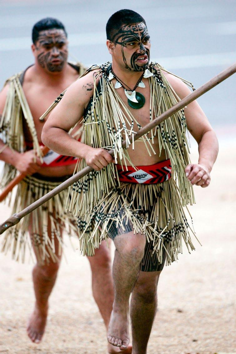 New Zealand History The first people to settle in New Zealand were the Maoris. They arrived by boat from Polynesia between 1250 and 1300.