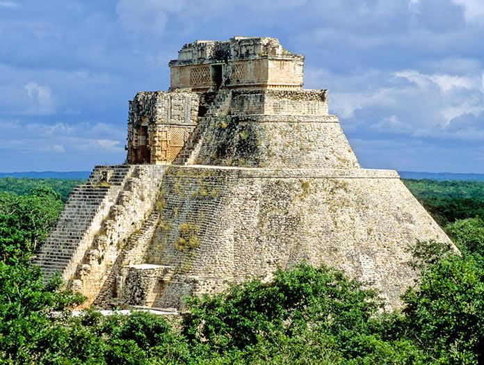 Day 6: Chichen Itza Cancun or the Mayan Riviera (B, L) In the morning, make your way to Chichen Itza, home to some of the most famous and