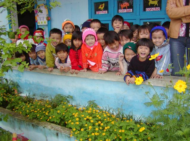 POVERTY REDUCTION THROUGH COMMUNITY-BASED TOURISM IN VIET NAM: A CASE STUDY 1.