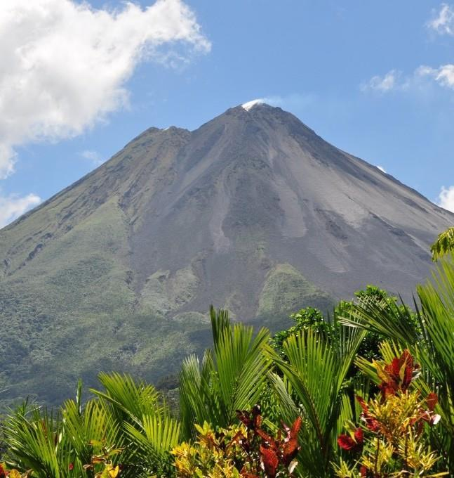 Arenal Volcano & Rainforest Tour Experience Costa Rica s world-renowned Arenal