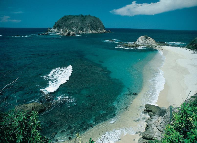 SUCCESSFUL CASES: HUATULCO In 2005, Huatulco becomes the first sustainable tourism community of the Americas certified under