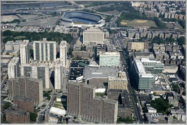 260 EAST 161 st STREET * Bronx, NY Market Overview The Property is a 223,611 square foot, 10-story building located in the Melrose section of the Bronx, approximately three blocks from the Yankee