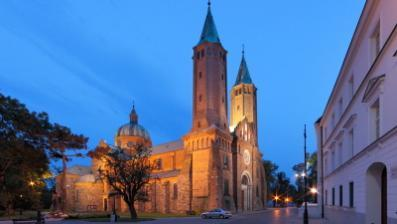 We will visit this convent on Zytnia Street. Time for the lunch. Then, enjoy a sightseeing tour of Poland s capital.