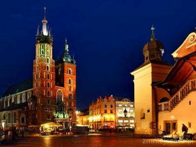 Romanesque, Gothic, Renaissance and Baroque architecture of The Old Town (Stare Miasto), the biggest Market Square in Europe (Rynek Glowny), The Town Hall, Collegium Maius