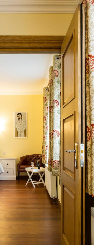THE ICON SUITE Two double interconnecting rooms with two roll top bath/shower rooms.