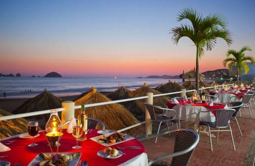 m PARRILLADA RESTAURANT With the best sunset view, perfect for good times and great food, this restaurant offers a friendly & romantic dining atmosphere that you are sure to