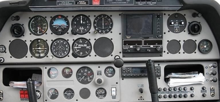 Real flight S /C IVAO flight using IvAp SY /S VHF Receiver 25kHz spacing Remember not to insert O, L & V with the use of letter S. 5.7. DR400 We will list together the equipment list of a Robin DR400.