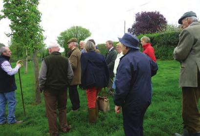CLUB NEWS CLUB NEWS 2017 FOLD VISIT The weather in Spring 2017 had been very good, but would it be kind to club members as seventeen of them gathered in deepest Herefordshire on April 30th to visit