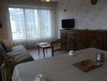 VULLIET ODILE HH Apartment in a good location. Albigny area. Near the shops and lake. 5 minutes from the beach.
