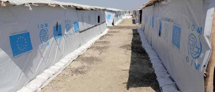 7 Plastic Sheet / Tarpauline Plastic Sheet 7.1. Plastic sheet: 4m x 6m tarpauline @ IOM 2016 (Photo: Ilyas) Sheet, plastic 4mX6m, reinforcemt bands Item code 1100000013 Unit weight 4.488kg - 5.