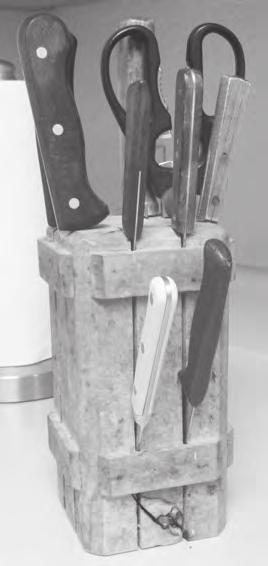 Most Used Kitchen Knives Merle Spencer You may not have thought much about which knives are used most in your kitchen, but almost everybody has several knives there.