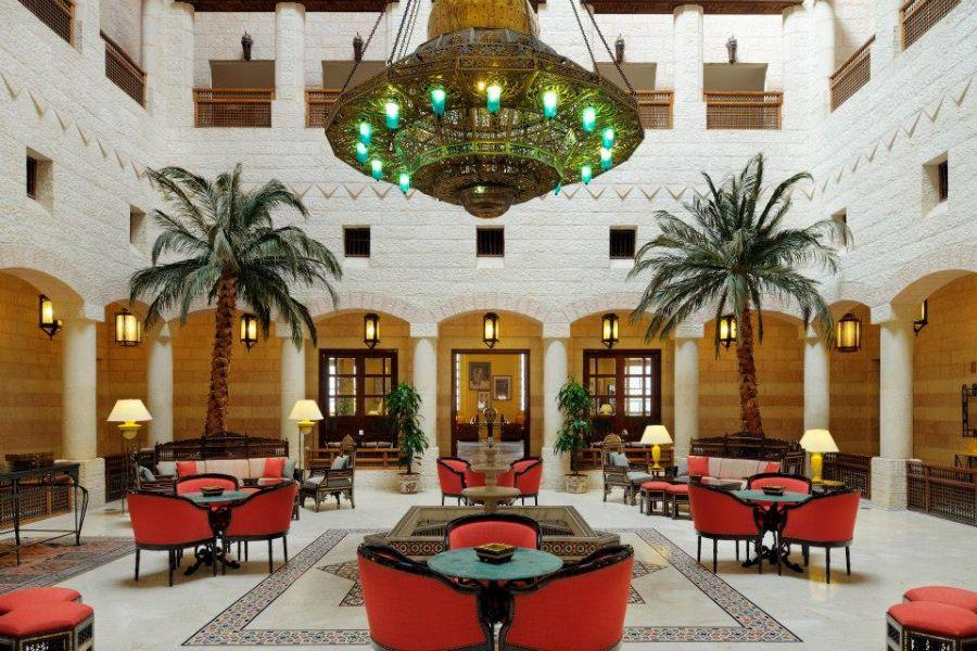 The Arabesque main building is decorated in clean and simple lines, while the Babylonian inspired Ishtar Villas, designed with a tasteful contemporary decor, offer and even more luxurious and