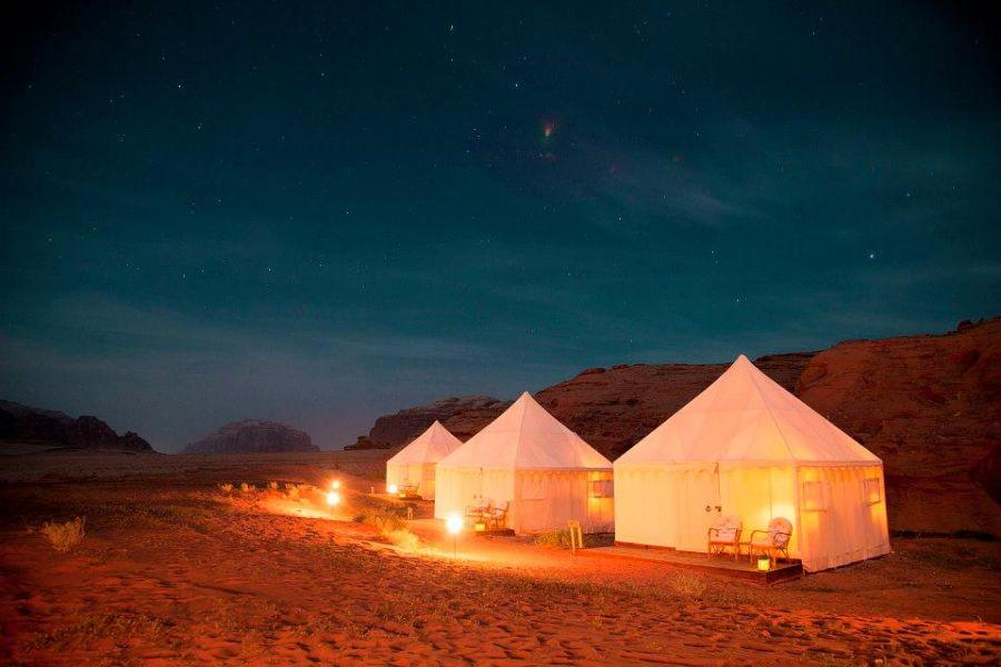 DISCOVERY BEDU Discovery Bedu is a new luxury eco-camp run by local Bedouins and set in the majestic landscapes of Wadi Rum.