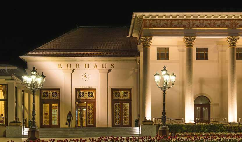 You stroll past the windows of the fine shops under the colonnades, take a little walk in the park, then the evening at the Kurhaus can begin: be it a concert, casino visit, midnight dinner or