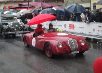 Mille Miglia - 1000 miles 2013 So the Mille Miglia The 1000 mile Race won by Sir Stirling Moss in the 50's averaging 98mph ish, driving on dusty roads, with no crowd control.