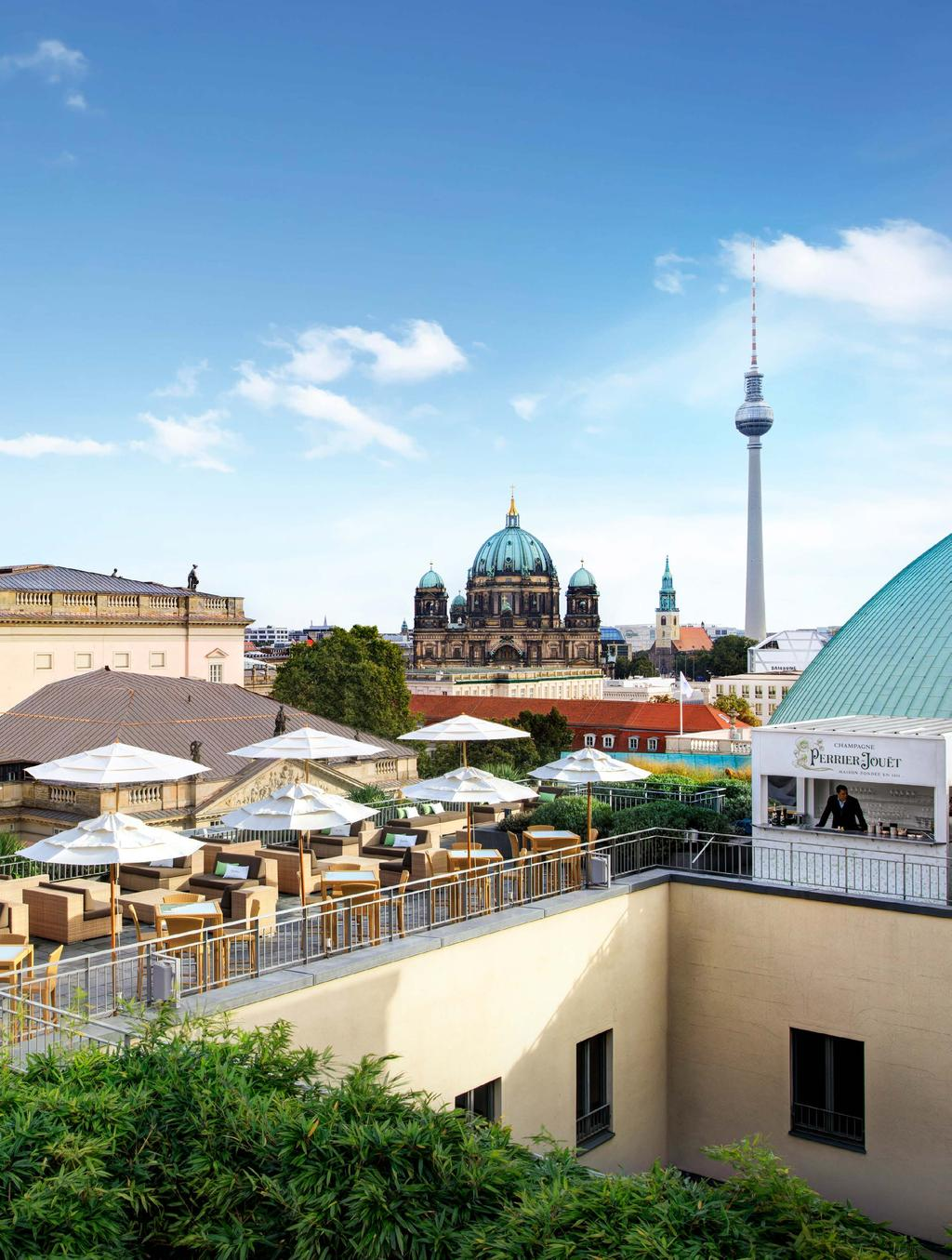 An elegant outpost in the centre of up-all-night Berlin. A relaxed hideaway in the animated Mitte District. A grand bank on Bebelplatz transformed into an intimate, artistic hotel: Hotel de Rome.