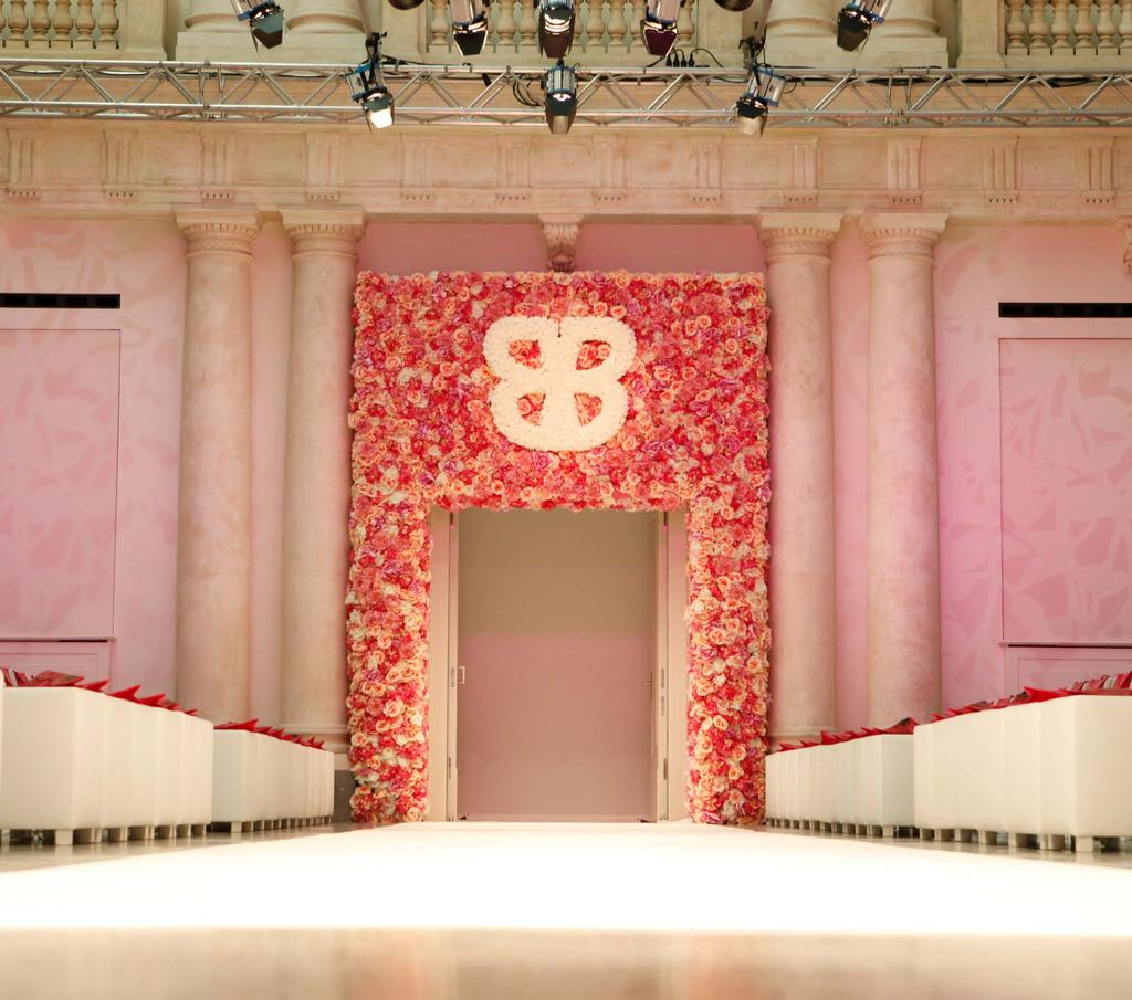 INSIDE OUR WALLS HIGH STYLE Fashion Shows A regular Berlin Fashion Week venue, the hotel s towering ceilings and dramatic aesthetic make it a